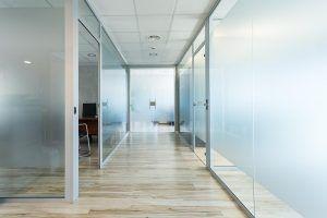 Oficina - aluminio y cristal